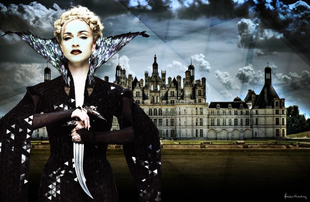madonna reine noir1 2 1024x668 DÉCOUVERTE : *Madonna Art Vision