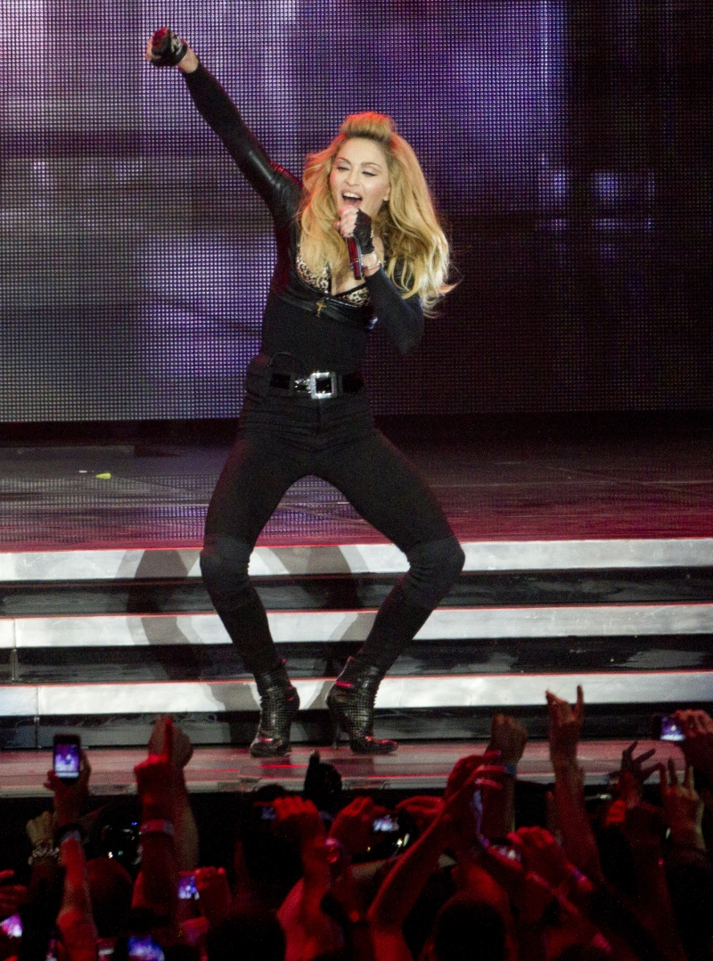 20120531-pictures-madonna-mdna-tour-tel-aviv-opening-09