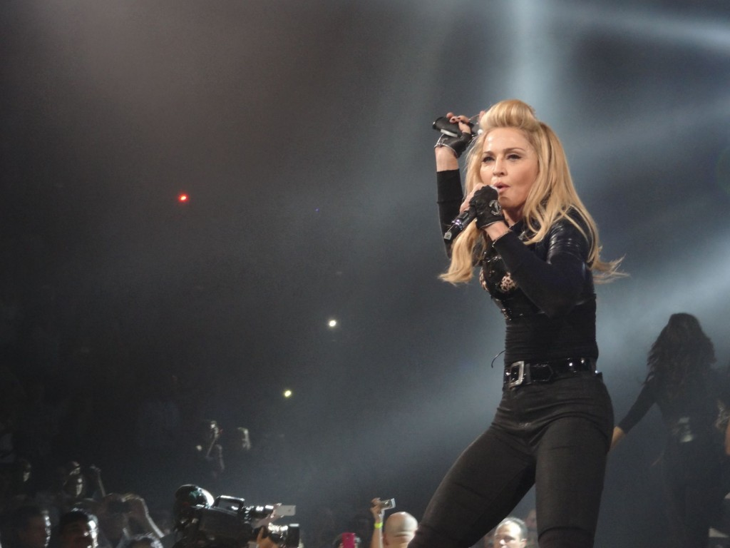 12-08-30-madonna-mdna-tour-montreal-andrew-0001