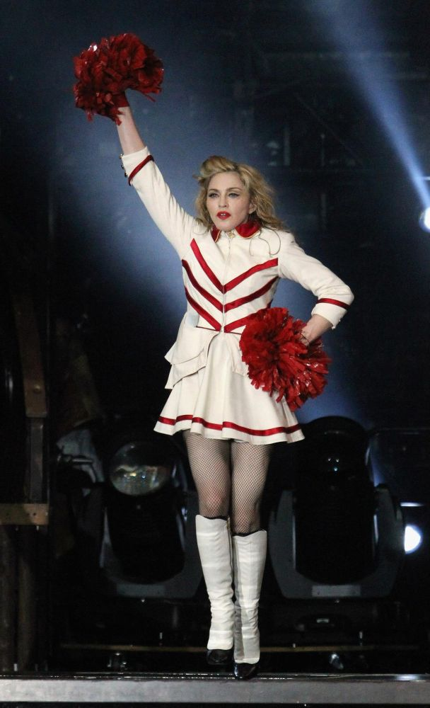12-09-07-madonna-mdna-tour-new-york-0002