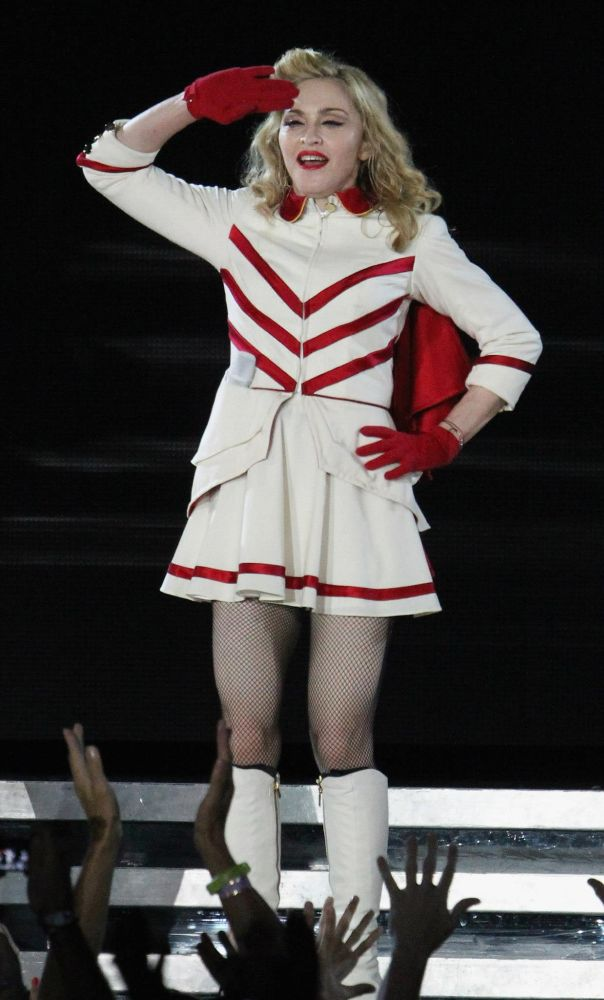 12-09-07-madonna-mdna-tour-new-york-0015