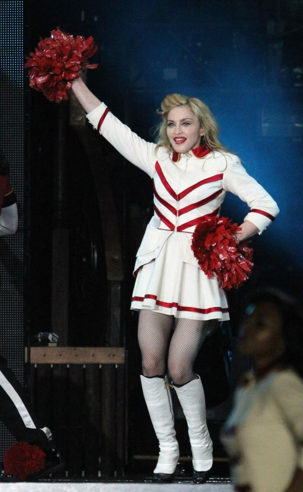 12-09-07-madonna-mdna-tour-new-york-0016