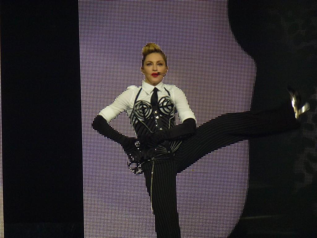 12 10 17 madonna mdna tour las vegas george 0004 1024x768 Le MDNA Tour à Las Vegas et en DVD...