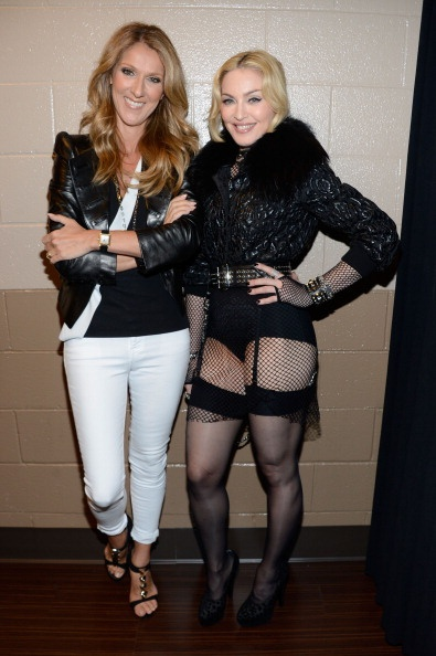 20130520-pictures-madonna-backstage-billboard-music-awards-06