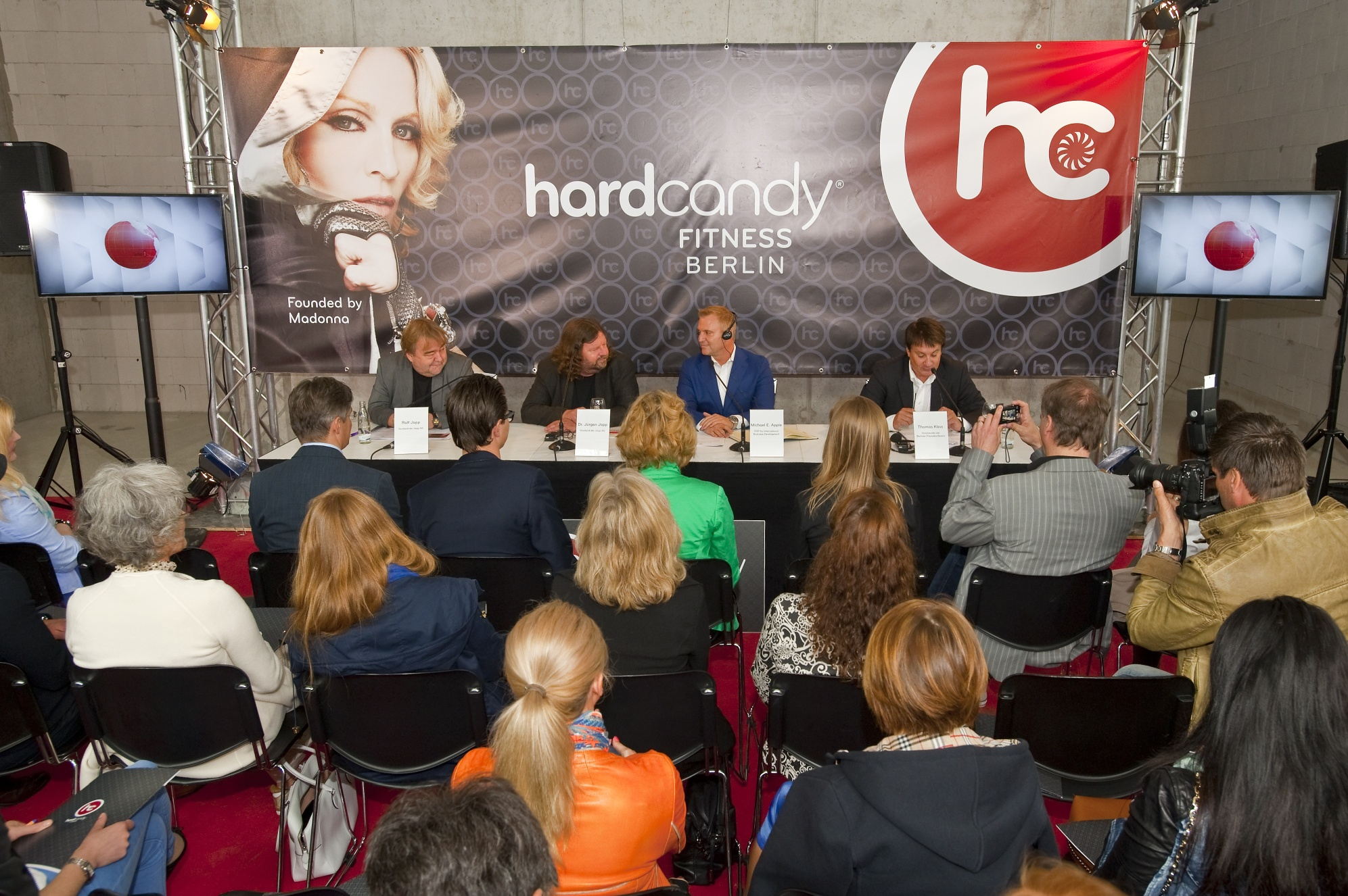 20130609-news-madonna-hard-candy-fitness-berlin-press-conference-01
