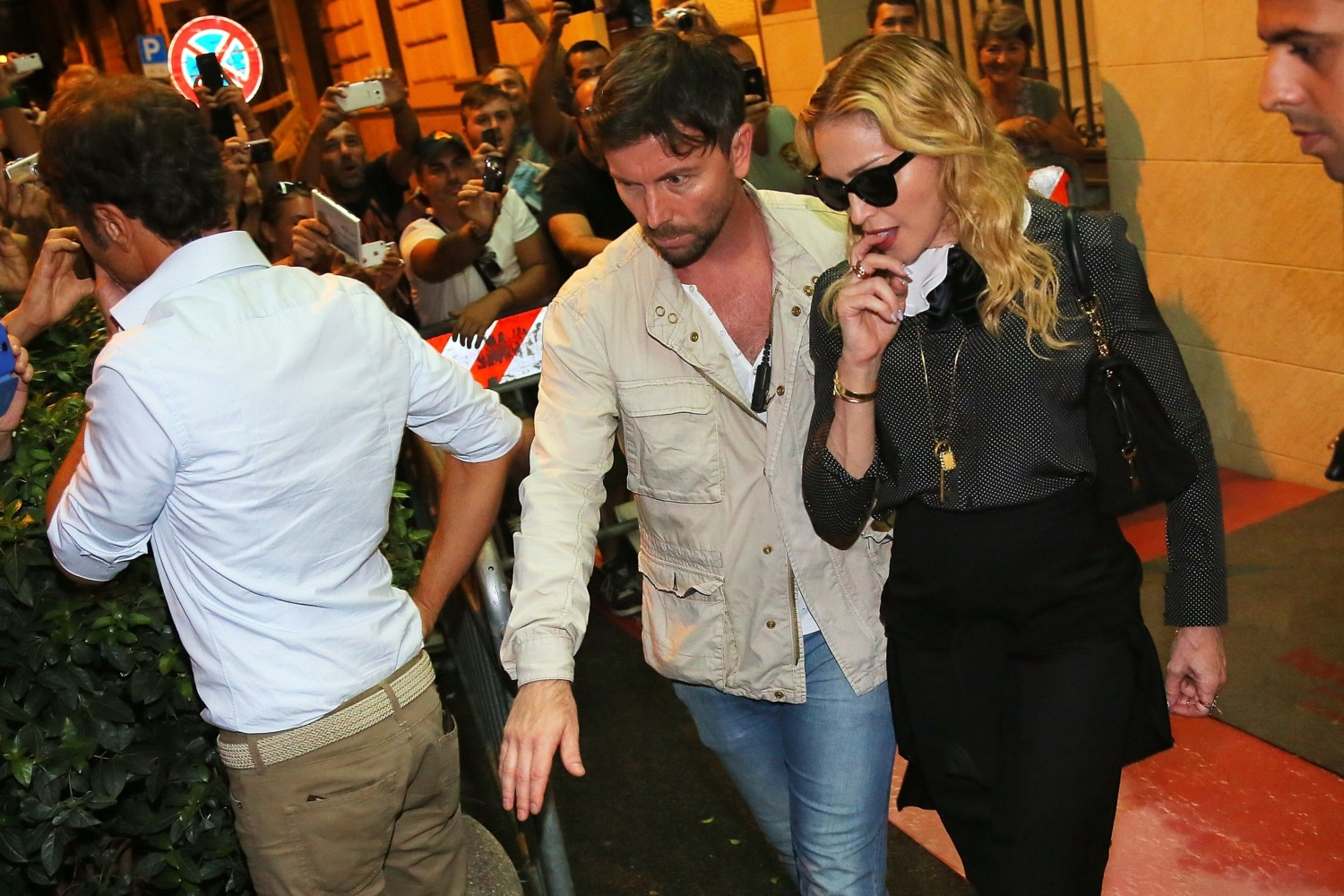 20130821-pictures-madonna-hard-candy-fitness-center-rome-01